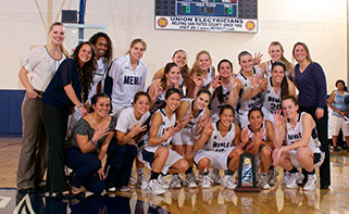 321x197-menlo-college-lady-oaks-defeat-william-jessup-to-claim-third-straight-calpac-title.jpg