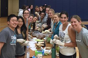 Menlo College athletes give to a community in need