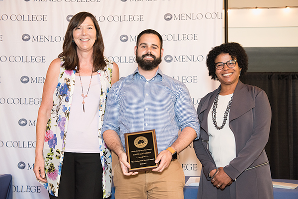 David Laflamme '17 Wins the Menlo College Golden Oak Service Award